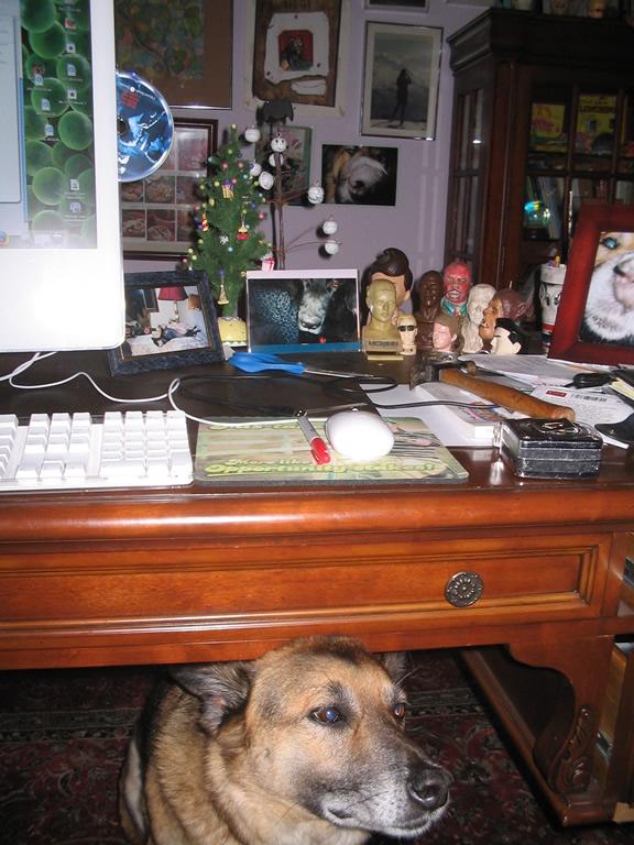 my desk 3.jpg